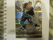 продам хоккейную карточку с автографом!